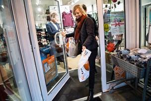 Se billeder fra powershopping: Lise vandt 25.000 kroner til juleindkøb