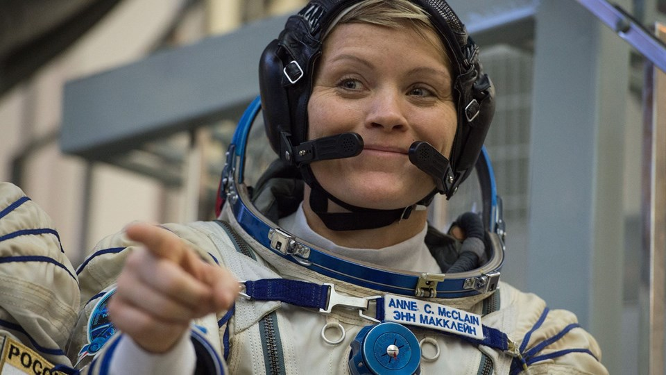 Den 40-årige amerikanske astronaut Anne McClain er kommet i modvind, efter at hendes hustru, Summer Worden, som hun er ved at blive skilt fra, har anklaget hende for at have skaffet sig adgang til hendes bankkonto uden tilladelse. (Arkivfoto)