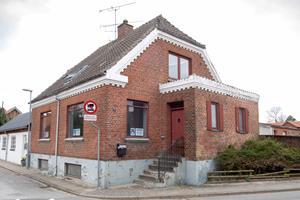 Borgere har købt et hus med svamp og vand i kælderen: Hvad vil de bruge det til?