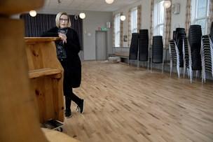 Forsamlingshus under omfattende renovering: Nu står de nye flotte gulve klar