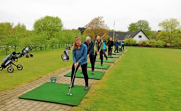 Nye spillere indtog golfbanen
