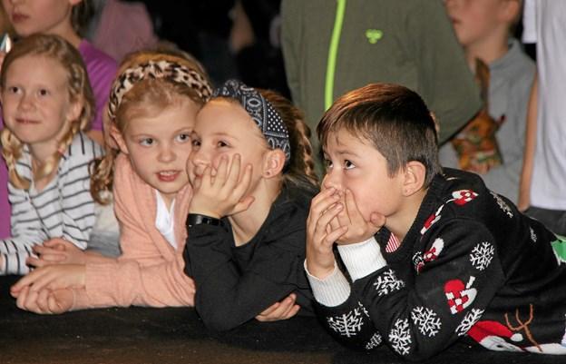 Børnene morede sig kostelig ved comedy-showet. Foto: Hans B. Henriksen Hans B. Henriksen