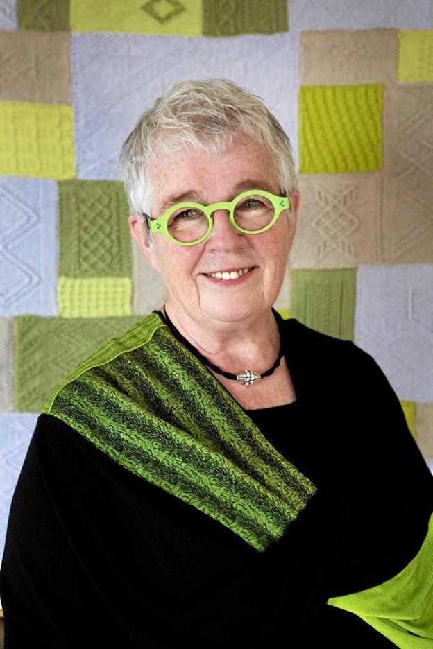Vivian Høxbro holder foredrage på Brønderslev Bibliotek.PR-Foto.