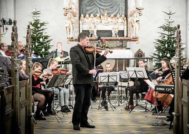 I Glenstrup Kirke er der koncert med skolens klassiske musikelever. Privatfoto