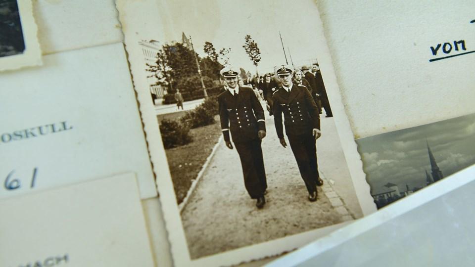 Heinz-Walter Schulz (til højre) fotograferet med en kollega fra marinen under et ophold i Riga i 1938. Privatfoto