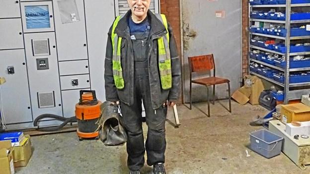 Tonny får kongelig belønningsmedalje: Har stadig sin arbejdsmappe fra 1971