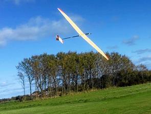 Prøv at styre et modelfly