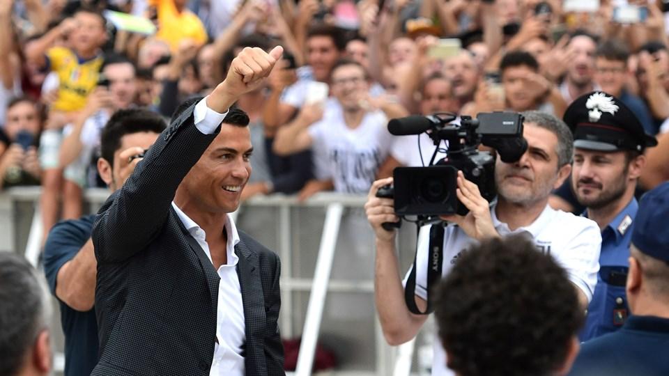 Cristiano Ronaldo var en af sommerens dyreste spillerkøb, da Juventus brugte cirka 745 millioner kroner på den portugisiske superstjerne. Foto: Miguel Medina/arkiv/Ritzau Scanpix