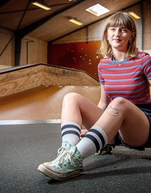 Skateboard er også for piger: Pernille har taget initiativ til nyt fællesskab