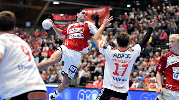 Trods endnu en sejr: Aalborg-træner er utilfreds med spillet og bekymret for sin anfører