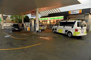 Fire personer sigtet for røveri på Shell - alle er nu løsladt