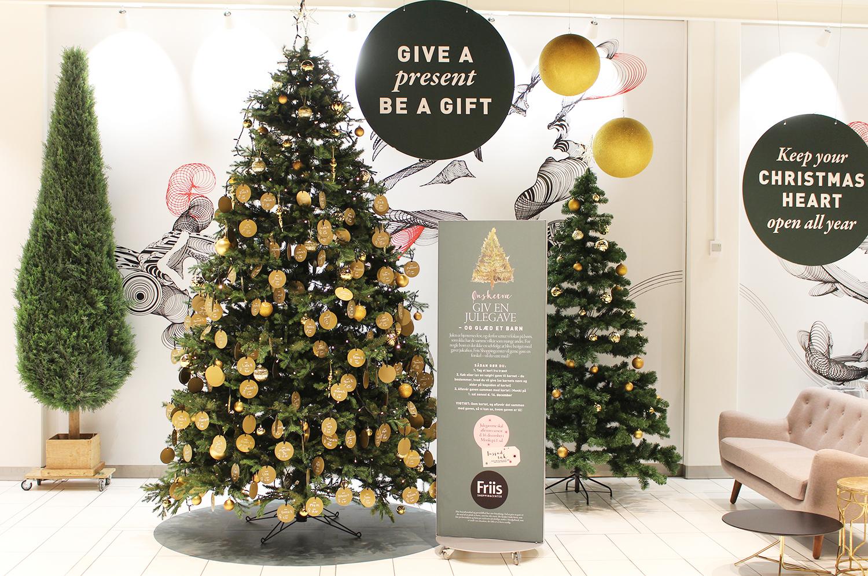 Ønsketræ i Friis: Giv et udsat barn en julegave