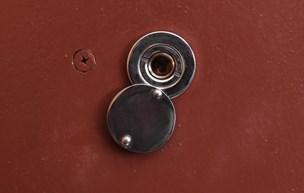 Politi advarer mod tricktyve: Ældre kvinde frastjålet smykker