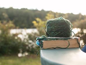 Bekæmp stress og depression med strikkepindene