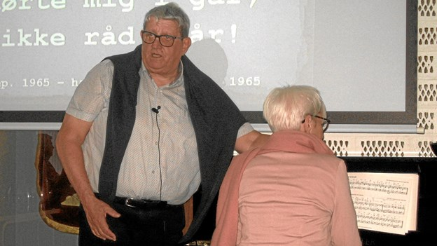 Foredragsholder Niels Ole Frederiksen og organist Margit Muhlbach. Privatfoto