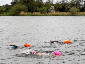 Svømmetræning i Teglværkssøerne