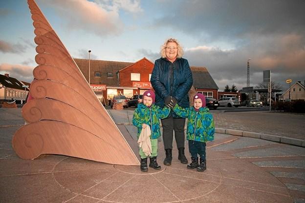 Sofus og Viggo var med mormor Tina til indvielse af Soltorvet. Foto: Peter Jørgensen Peter Jørgensen