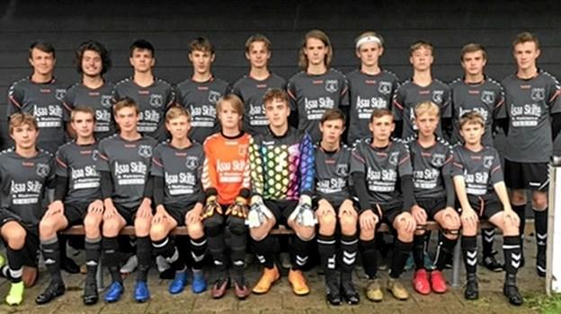 Det dygtige drengehold fra Dronninglund Skole er klar til tredje runde i DBU Skolepokalen. Privatfoto