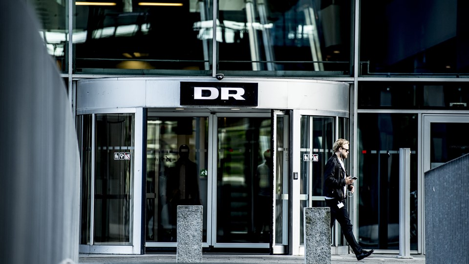 Regeringen og DF har besluttet, at DR's budget skal reduceres med 20 procent, hvilket svarer til omkring 700 millioner kroner. Det kommer til at koste mange stillinger, vurderer DR-tillidsmand. Foto: Scanpix/Mads Claus Rasmussen