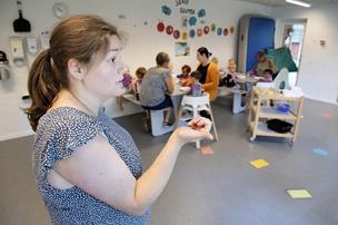 Firkanter og striber: Børn i Tumlehuset har styr på abstrakte ord