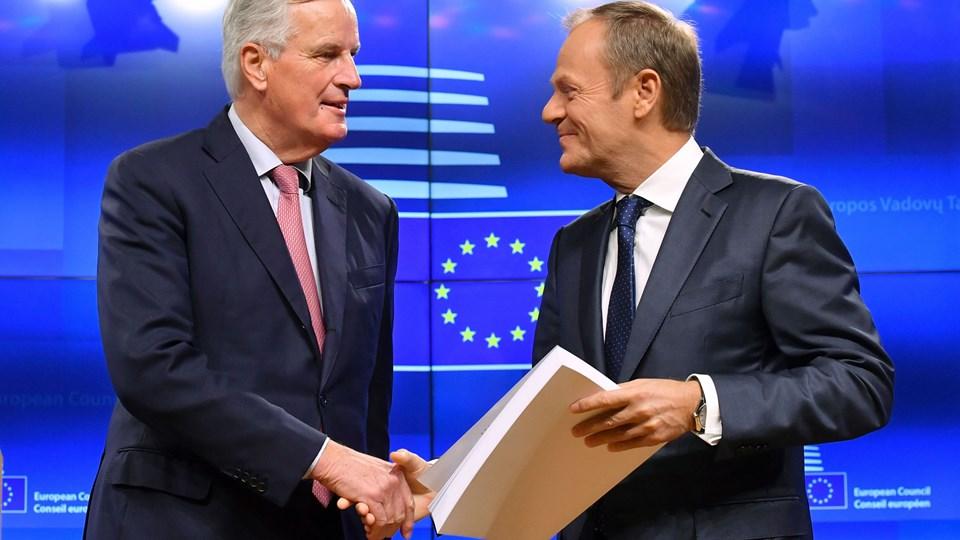 I sidste uge kunne EU's chefforhandler for brexit, Michel Barnier, præsentere et udkast til en udtrædelsesaftale for Storbritannien for EU-præsident Donald Tusk. Torsdag har Tusk så videresendt et udkast til en politisk erklæring om rammerne for det fremtidige forhold.