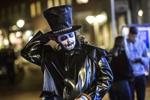 Se billederne: Stort Halloween-optog i Hobro