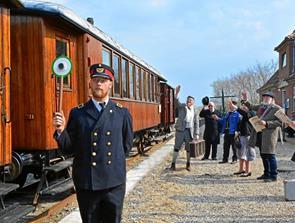 Find din gamle kuffert frem og kør en gratis veteran-togtur