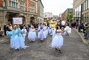 Børnene fester: Pirater og prinsesser i parade