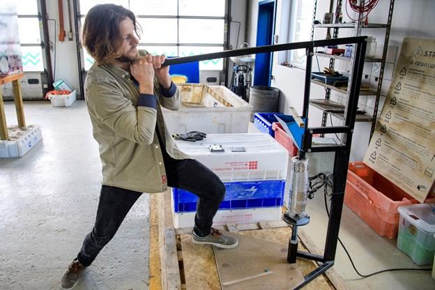 Ambitiøst værksted i Vorupør genbruger plastik fra stranden: Se her hvordan