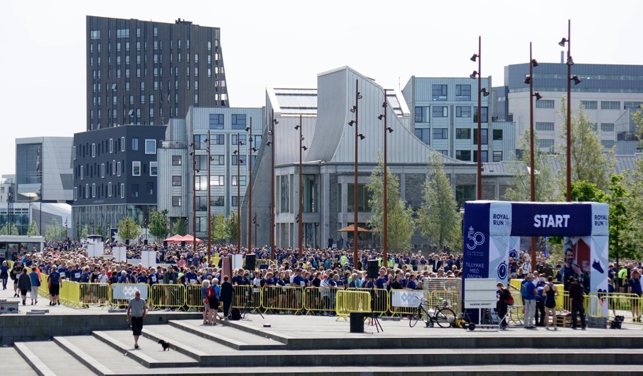 Royal Run, som blev afholdt i anledning af Kronprinsens 50 års fødselsdag, tiltrak mange løbeglade aalborgensere. PR Foto