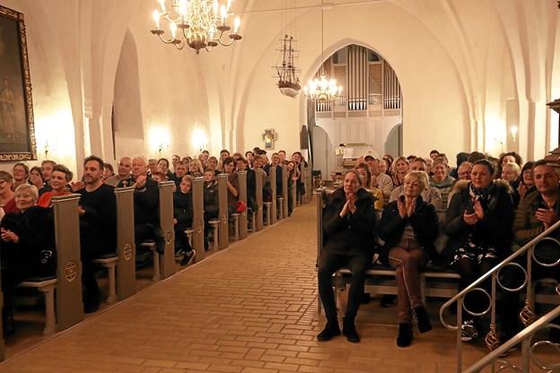 Mange var mødt frem for at overvære koncerten. Foto: Allan Mortensen Allan Mortensen