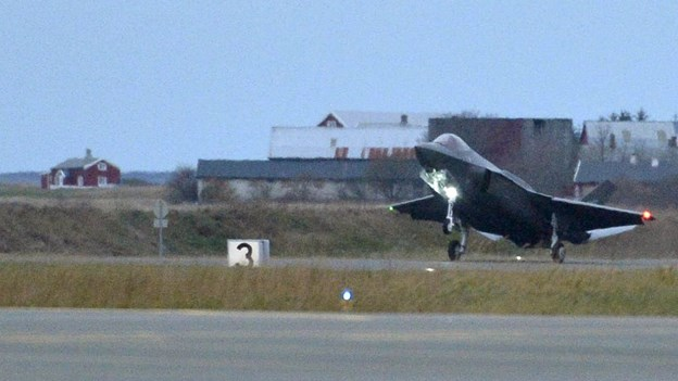 Køb af nye kampfly får det endelige grønne lys