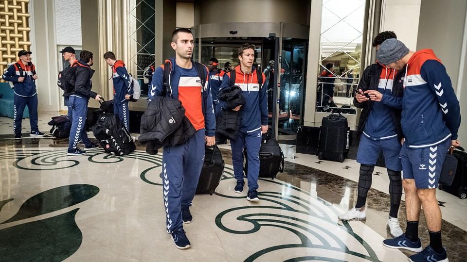AaB-truppen ankom mandag aften til Hotel Papillon Ayscha i den tyrkiske by Belek, der bliver basen på træningslejren, der strækker sig frem til 30. januar. Foto: Torben Hansen