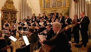 Elitekor synger i Karby Kirke