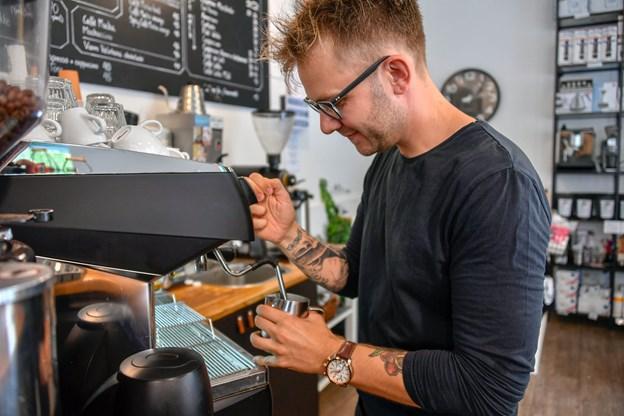 Man skal overveje, om man er interesseret i at lære håndværket, før man investerer i dyre kaffemaskiner.