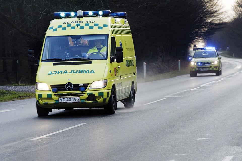 Den garanterede responstid for en ambulance med udrykning er ni minutter og 12 sekunder. Dette gennemsnit kan ikke overholdes tre steder på Mors, som det er i dag, men fra 1. februar skulle problemet være løst.Arkivfoto