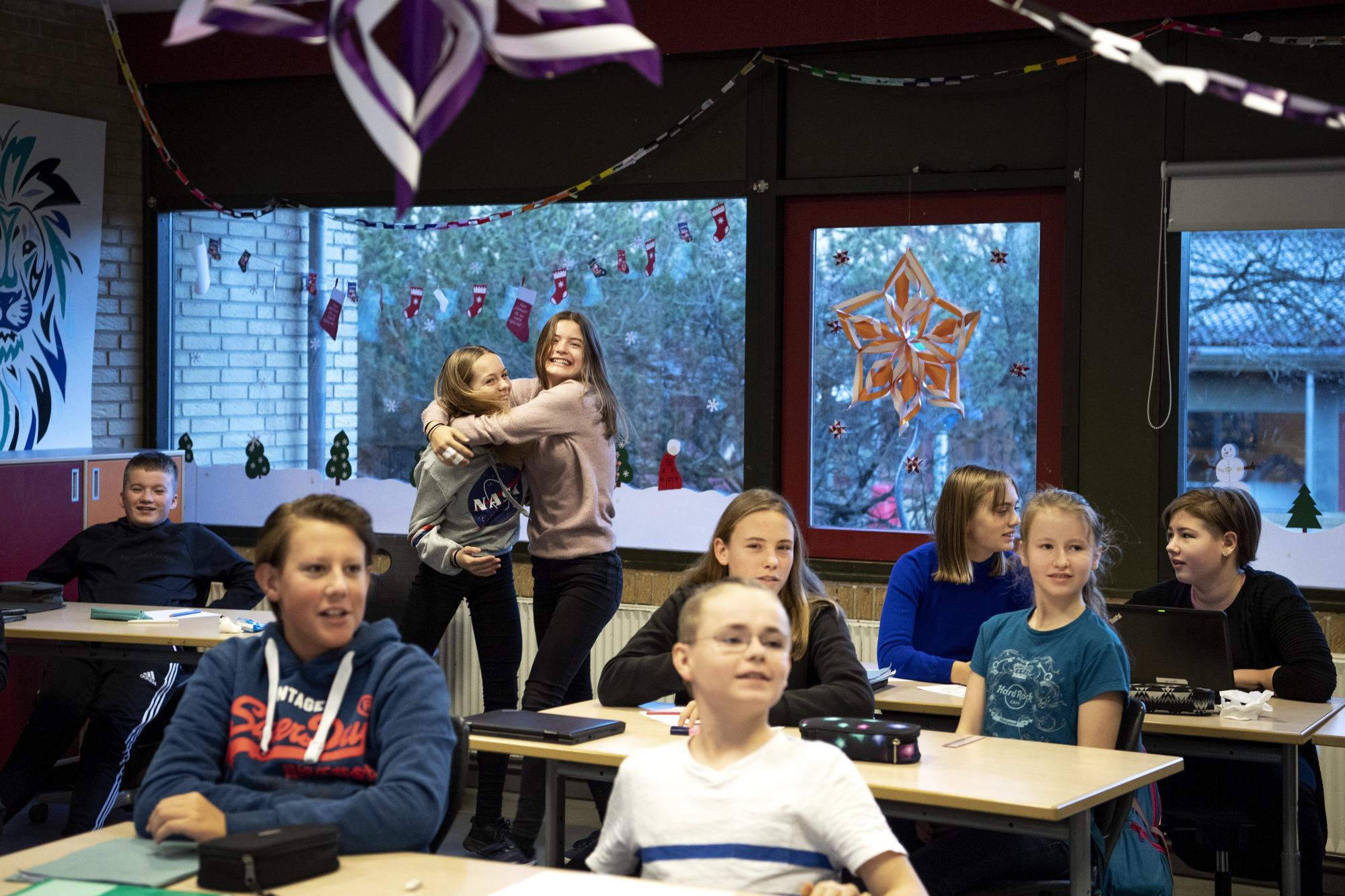 Nordjyske elever i avisdyst: Overrasket med penge til klassekassen