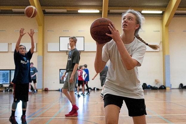 Der er for få piger i basketklubben. Foto: Lasse Sand