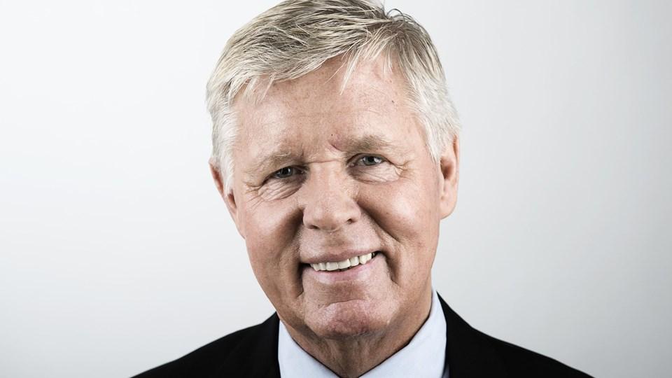Stig Elling har altid befundet sig godt midt i begivenhederne. Her byder han velkommen til en rundflyvning over Nordjylland i 2010.Arkivfoto: Henrik Bo