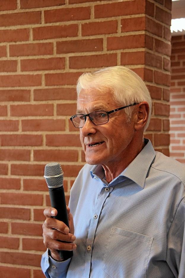 Næstformand i Sydthy-Thyholm Seniorer, Per Houe bød alle velkommen. Foto: Hans B. Henriksen