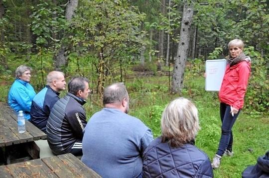 Fysioterapeut Torunn Røvik er en af de medarbejdere fra Vesthimmerlands Kommune, som har ansvar for sundhedsaktiviteterne i Uhrehøj Plantage. Privatfoto