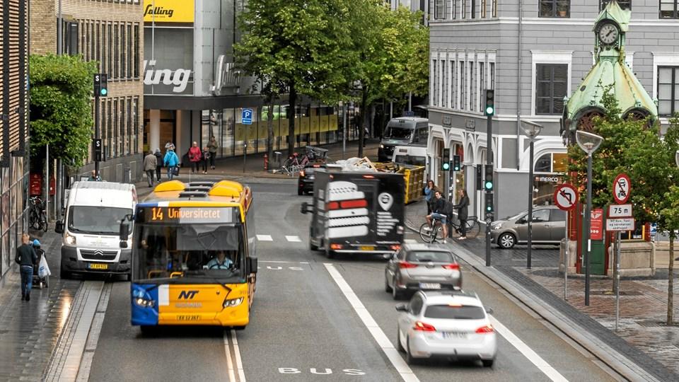 Hvis ikke der skal lukkes busruter i stor stil, så skal byrådet finde små 18 mio. kr. ved de kommende budgetforhandlinger. Arkivfoto: Nicolas Cho Meier