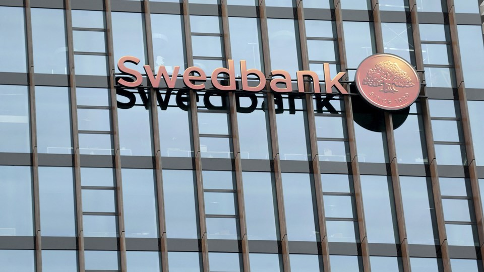 Swedbank bliver kædet sammen med hvidvasksagen i Danske Banks estiske filial. (Arkivfoto)
