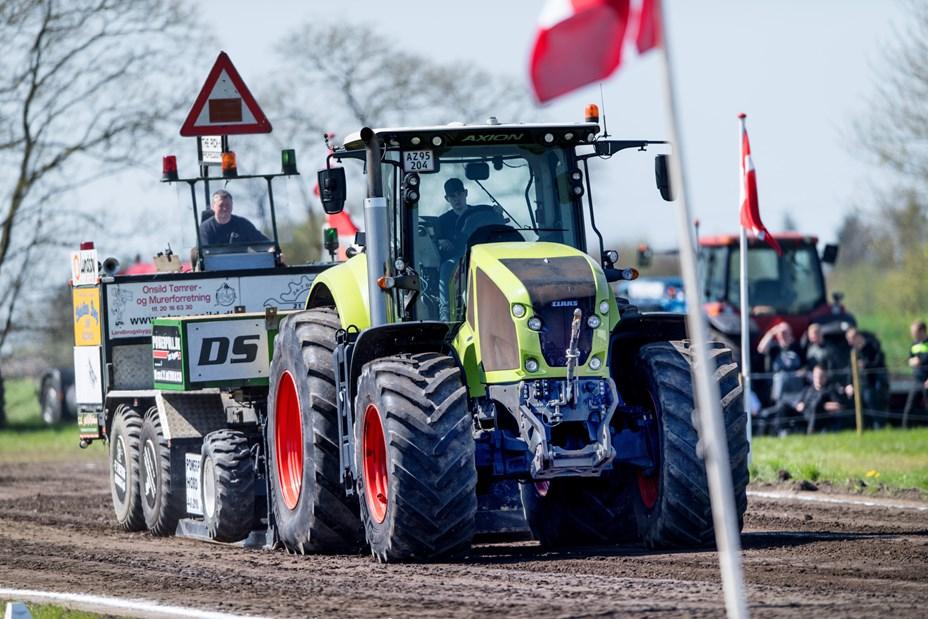 Indsamling ved traktortræk i Hobro