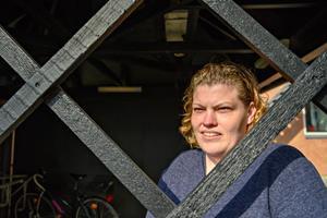 36-årige Christina kæmpede for at holde på sit job: Nu får hun førtidspension