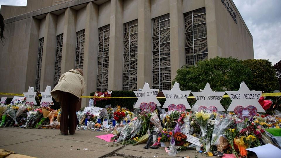 11 mennesker blev dræbt ved masseskyderiet i Tree of Life-synagogen i Pittsburgh, Pennsylvania, lørdag.