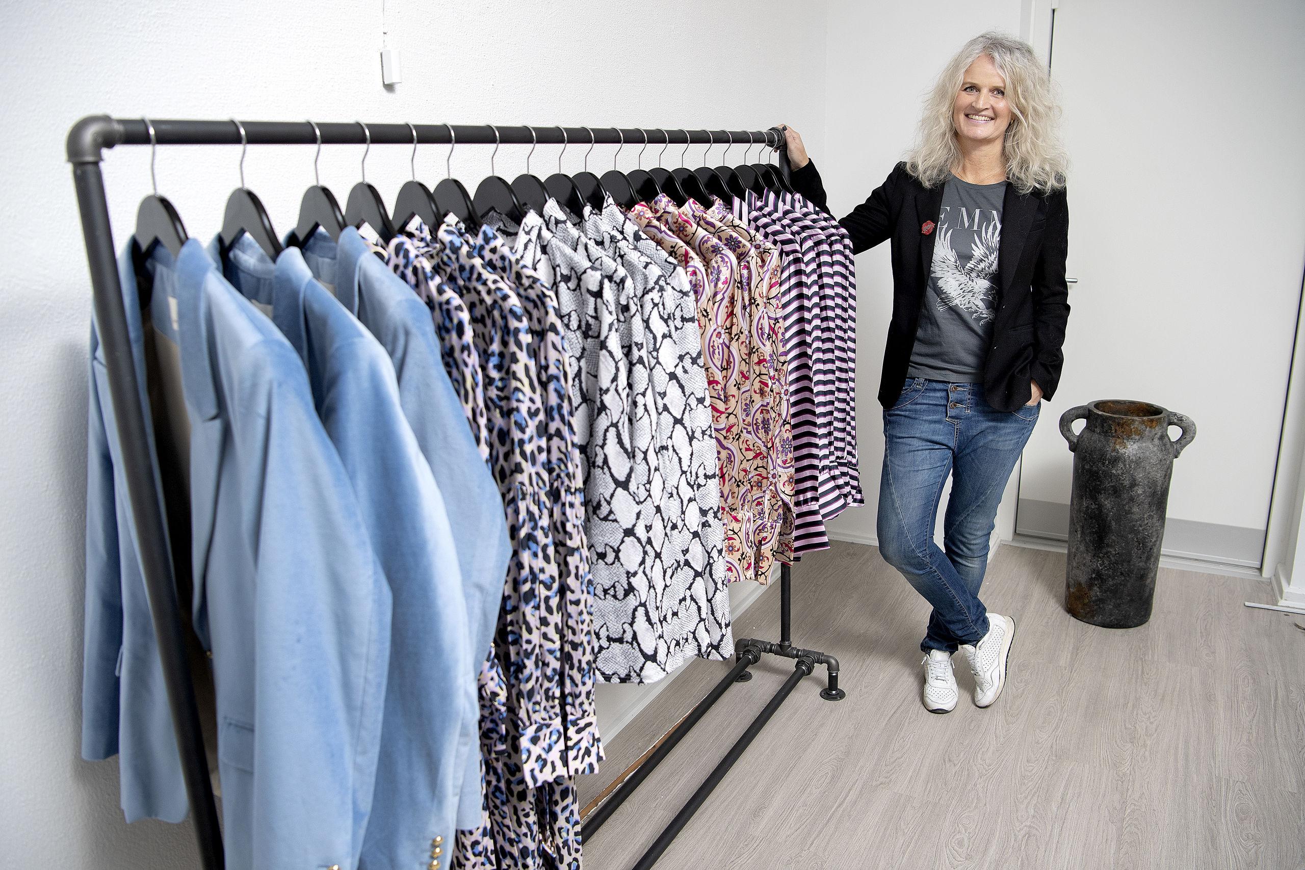 Nu åbner Karina snart sin tøjbutik