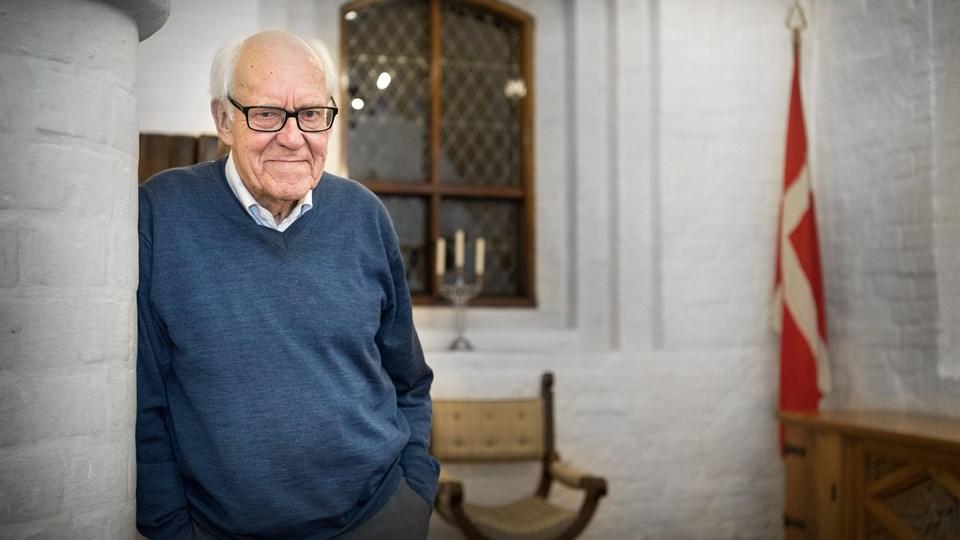 Den 85-årige forfatter Børge Møller bor i dag på Aalborg Kloster. Hans interesse for krigen stammer fra hans oplevelser som dreng under krigen og senere gennem konktakten med tidligere modstandsfolk i Hjemmeværnet. Foto: Torben Hansen