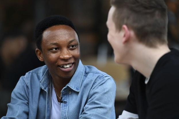 Christian fra Rwanda blev født som flygtning: Nu digter han om folkedrabet og livet på flugt