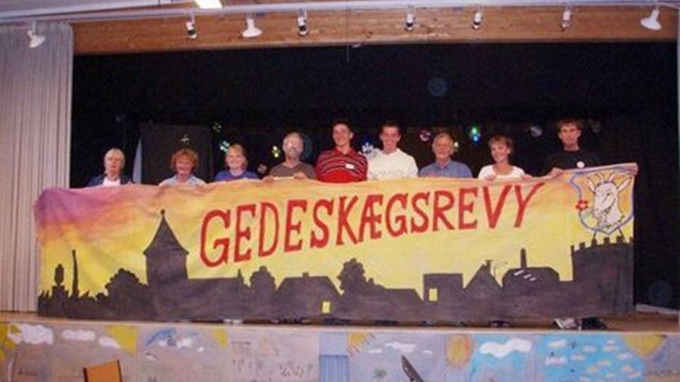Revyholdet til den 29. udgave af Gedeskægsrevyen. privatfoto